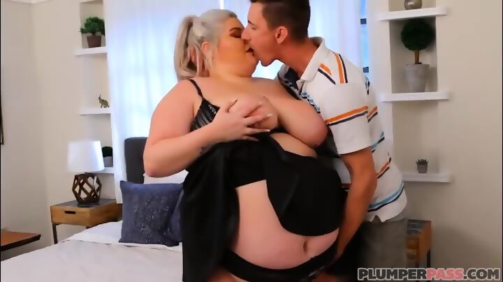 British bbw taking the dick
