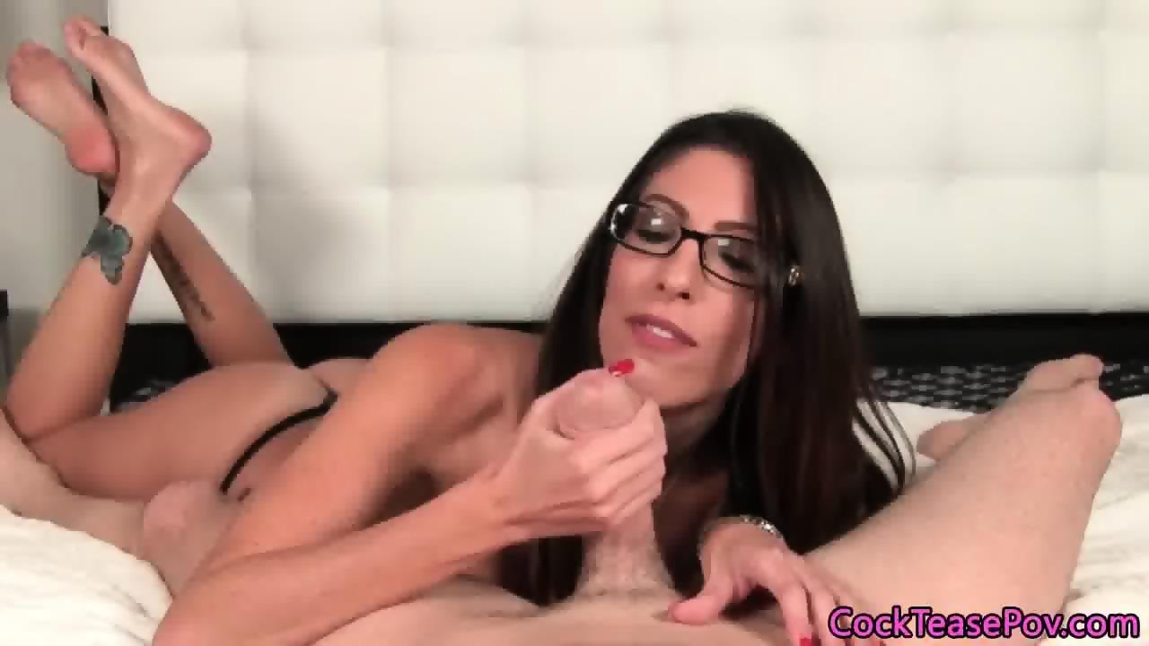 Spex milf pornstar loves sucking fat cocks