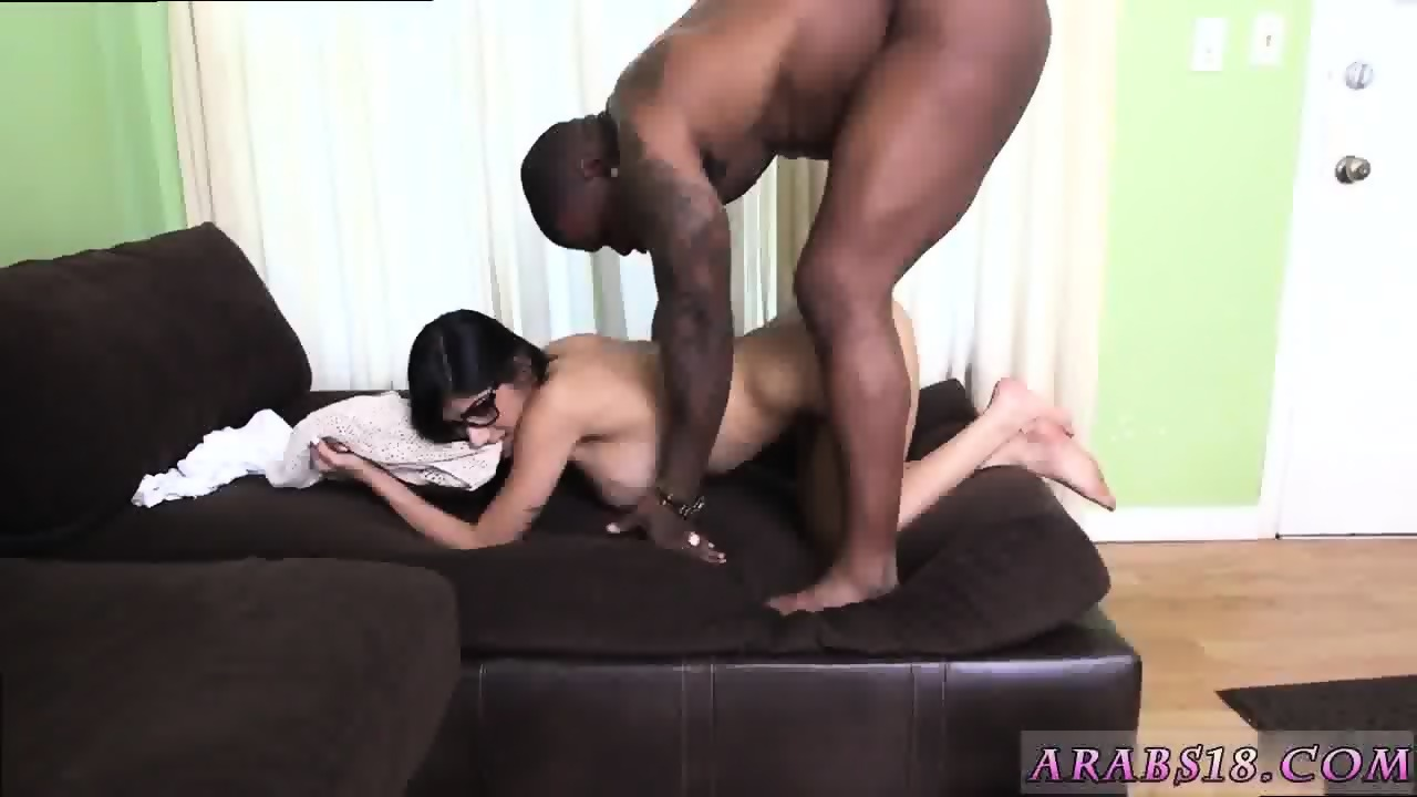 Guy Gives Tranny Blowjob