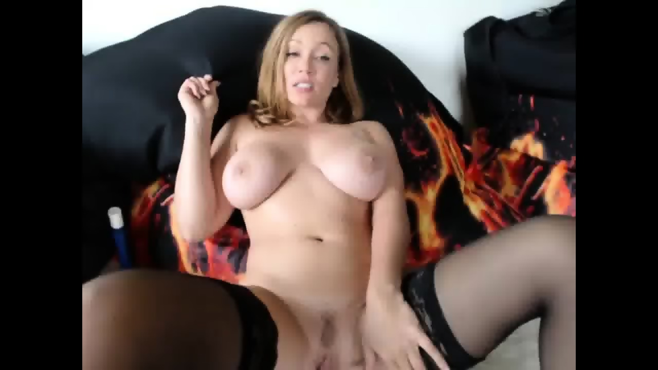 super hot milf masturbating her vagina - eporner