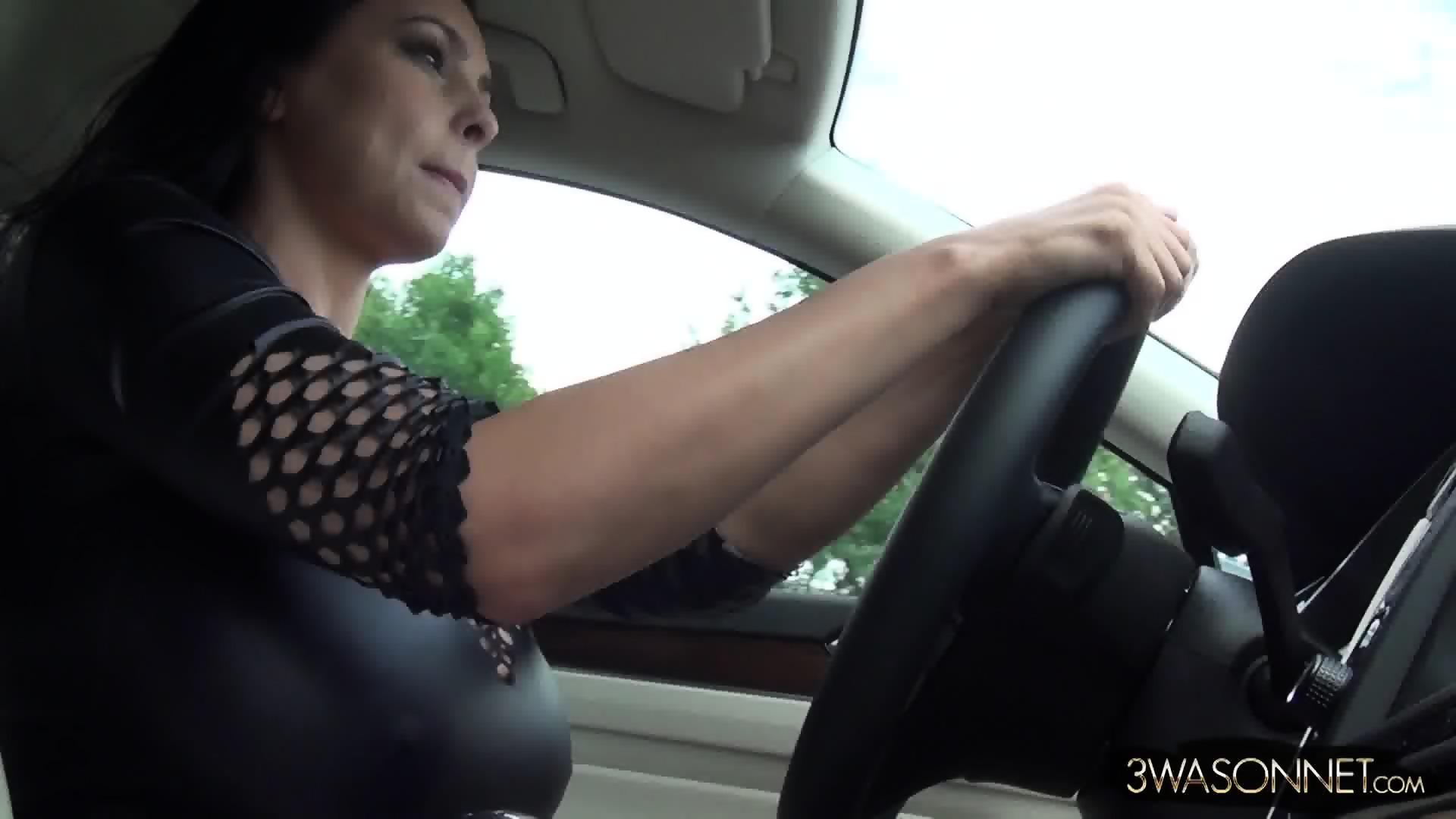 huge tits in car - eporner