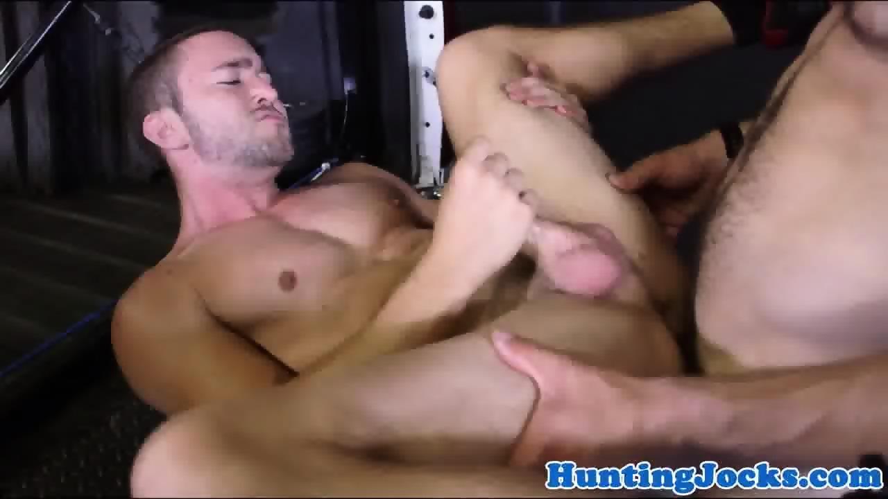 Chap loves meaty cock up his kinky wazoo