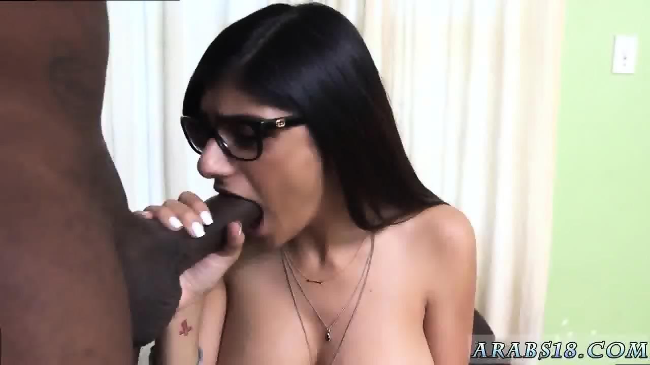 arab girl fuckedamerican xxx mia khalifa pulls up and literally
