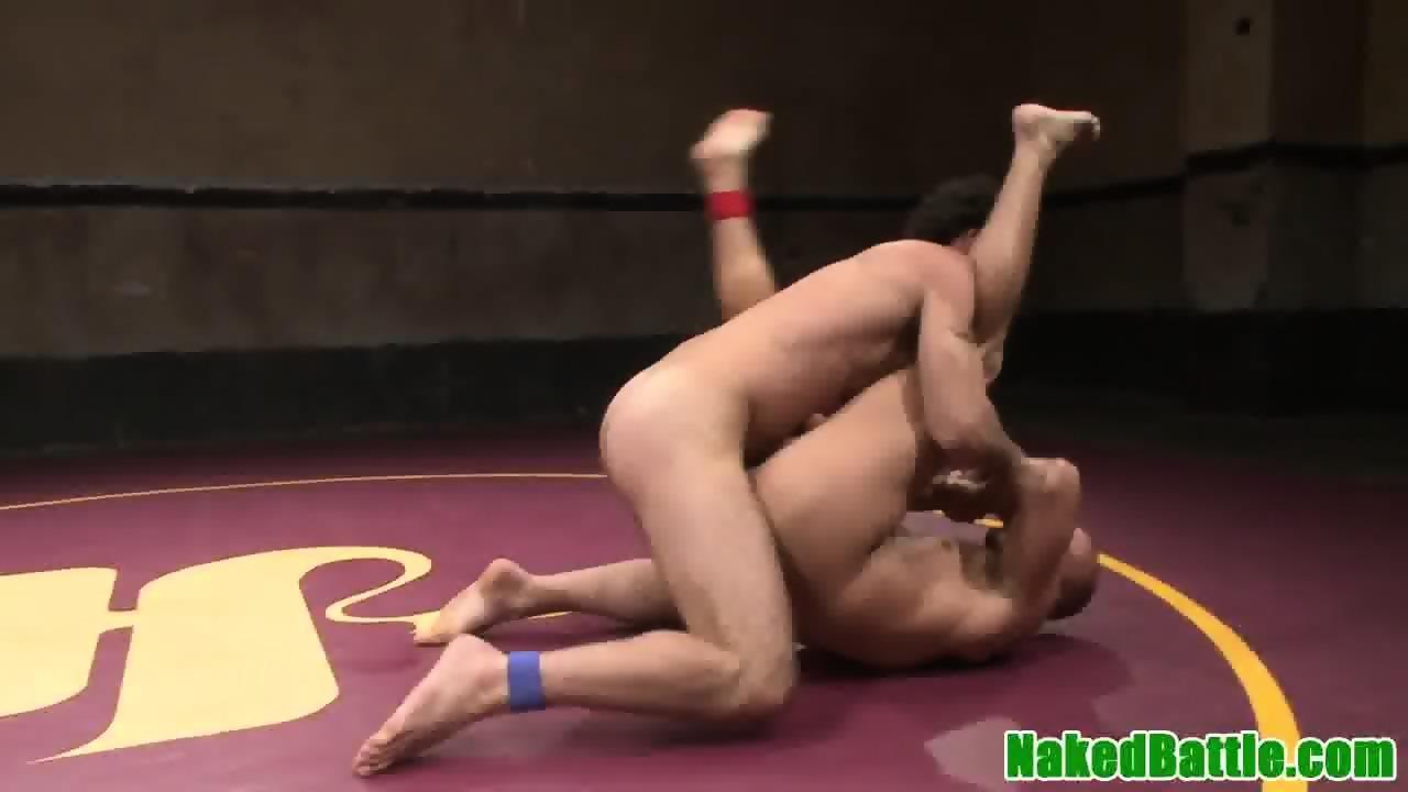 Submissive wrestling hunk deepthroating dick - scene 4