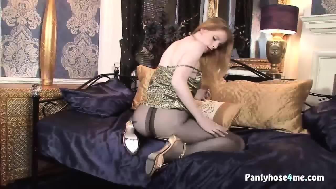 Solo pantyhose show 6 8