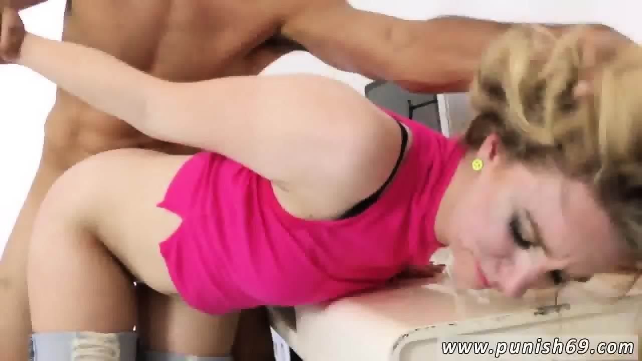 Amateur Girl Fucked Bar