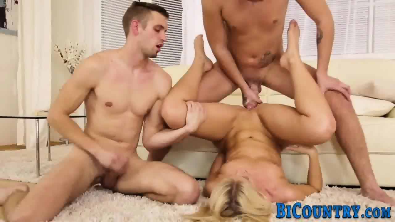 Bisex hunks fuck and suck