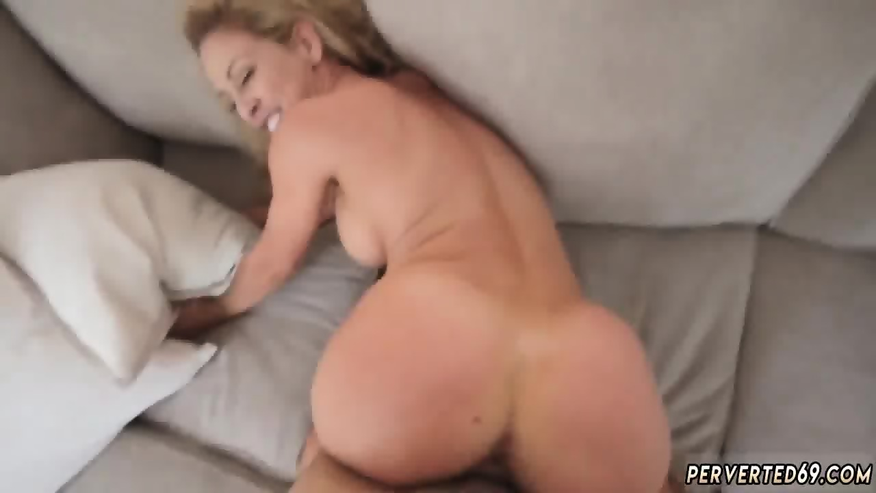 Big Tit Mom Aunt Threesome
