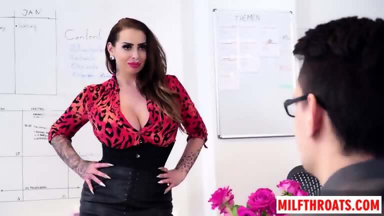 Mature Milf Office Fuck