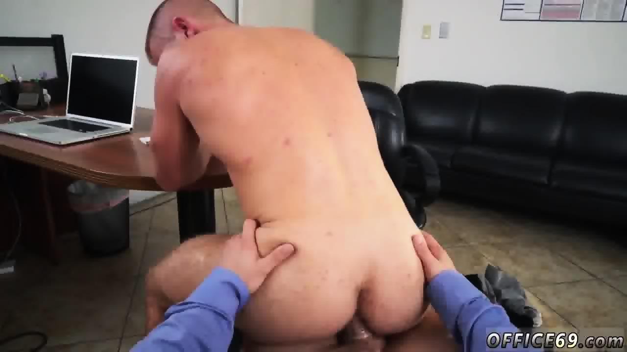Erotic Image Gay chubby threesome