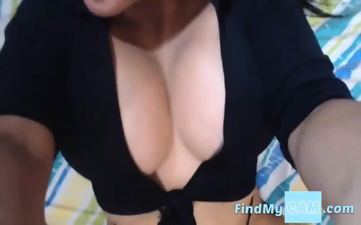 Sexy latina milf webcam tease