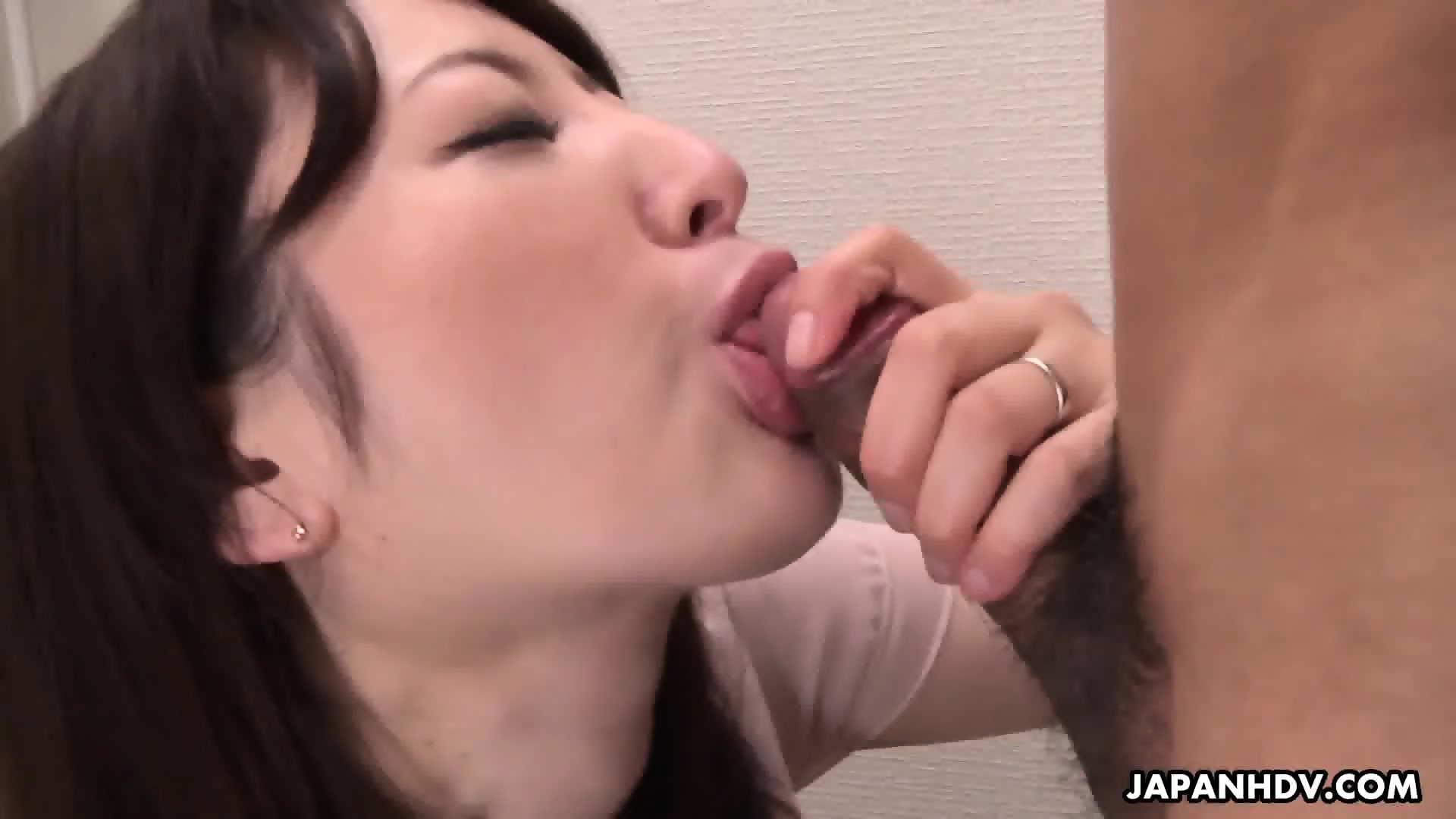 girls sucking cum