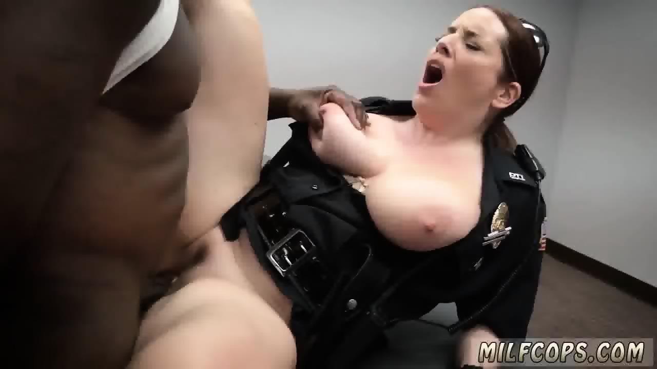 Ebony muscle girl fucking