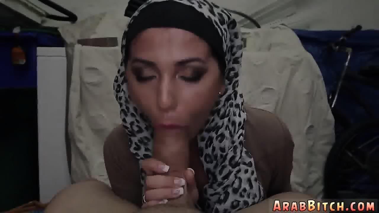 Very cute blowjob Desert Pussy - scene 2