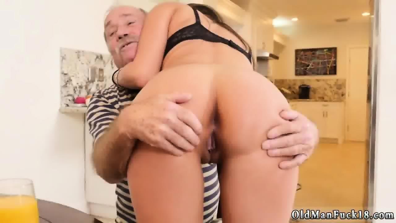Chillin with the sugar daddies mobile porno videos