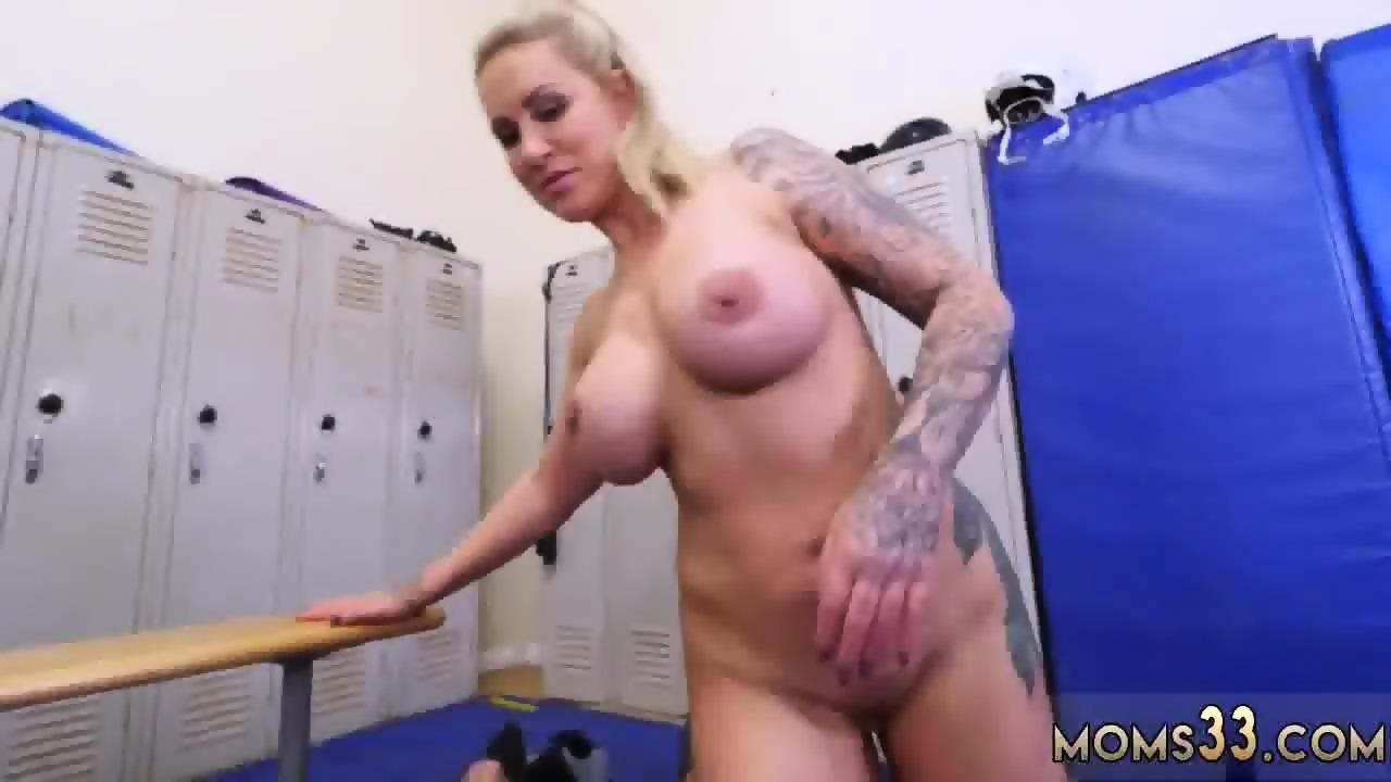 Hairy Pussy Blonde Milf