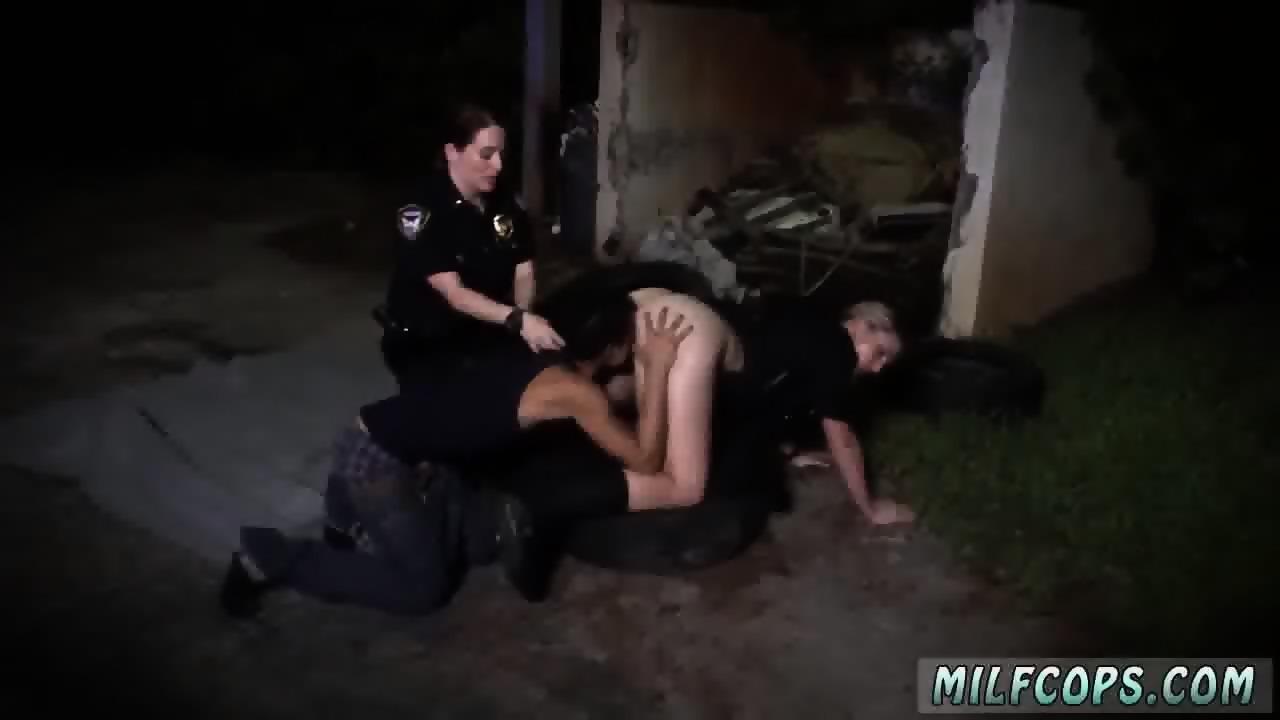 Two Sisters Having Lesbian Sex