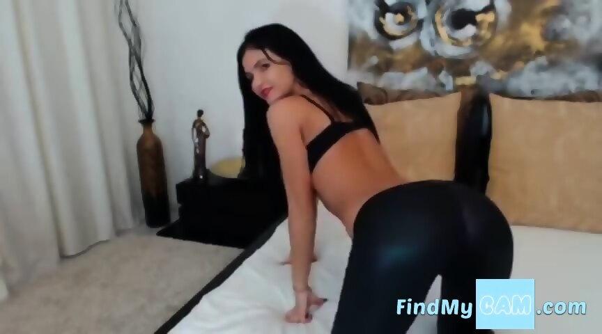 Free porn girl fucks man strap