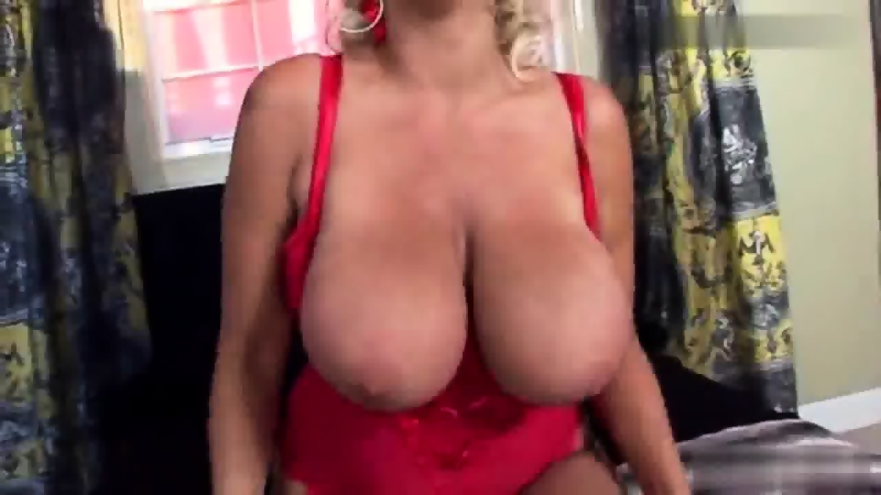 Push up bigtits pussy