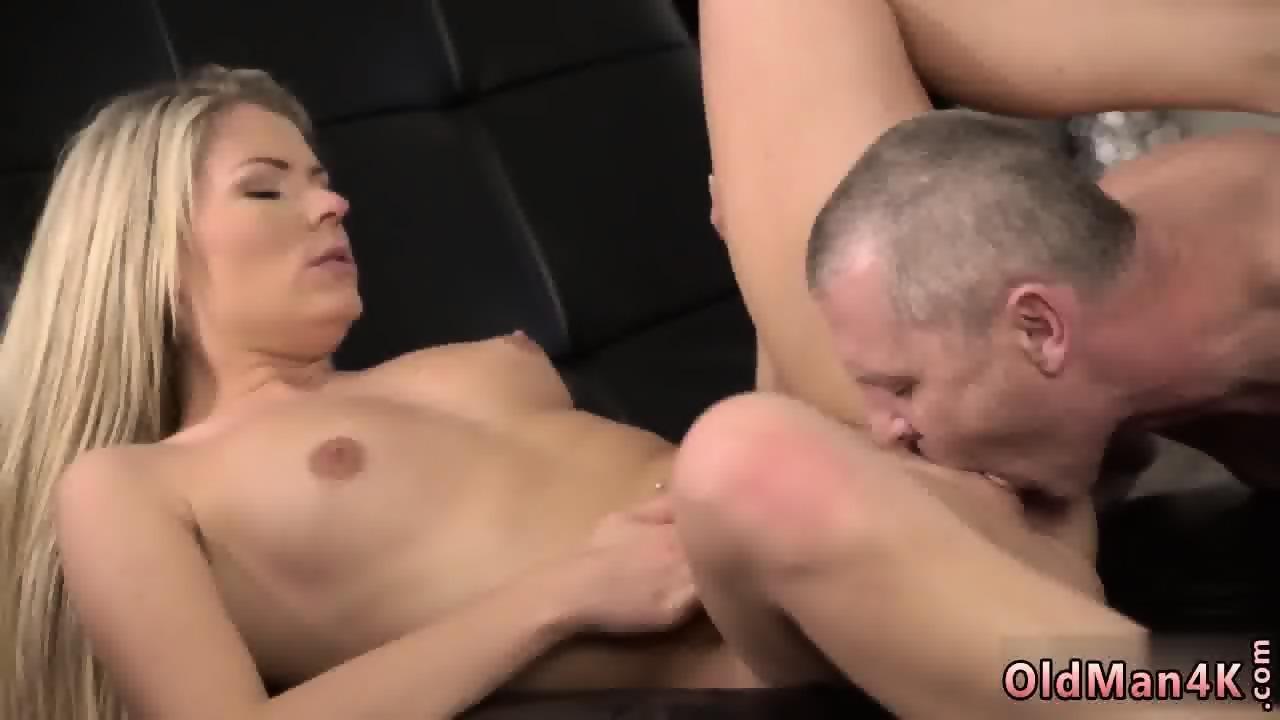 Bank carli nude