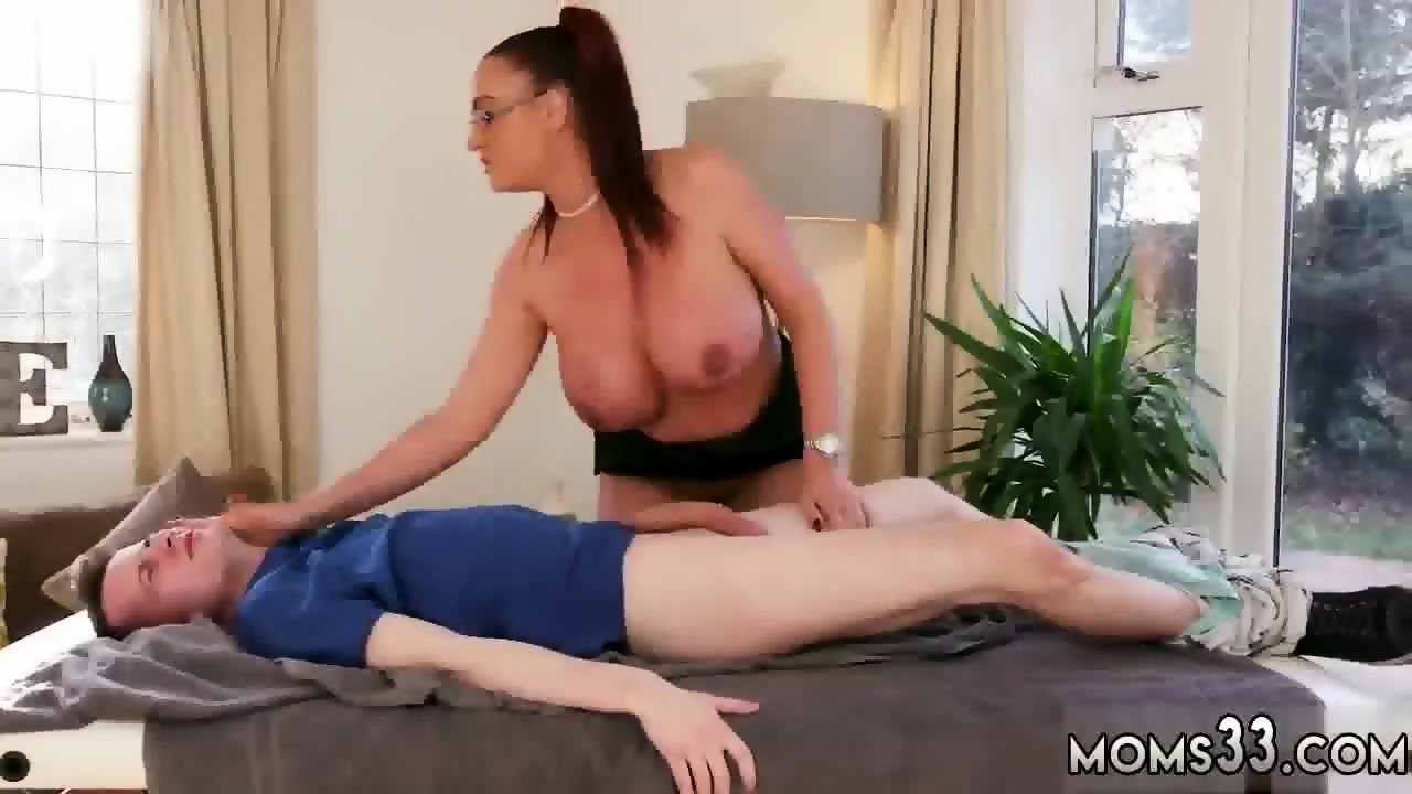 Threesome Milf Hardcore Big Tits Xxx Big Tit Step Mom Gets A Massage Scene