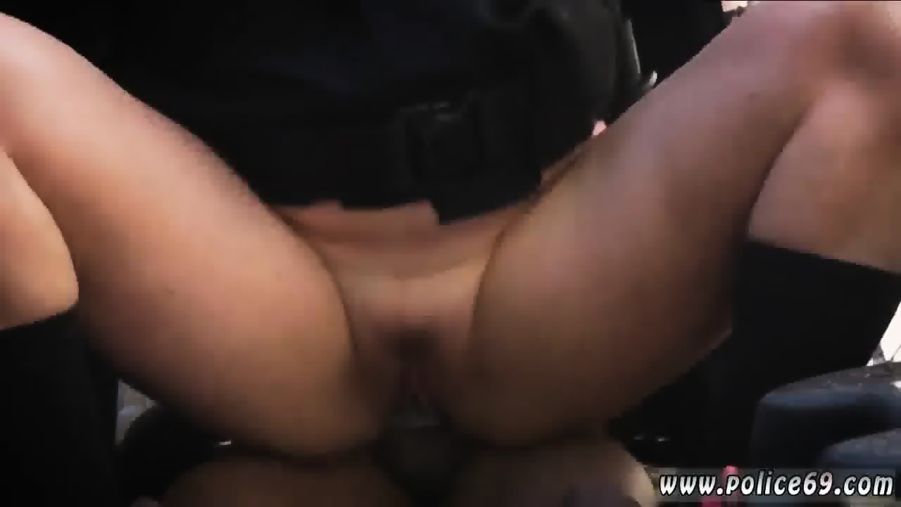 Gives gf blowjob Horny
