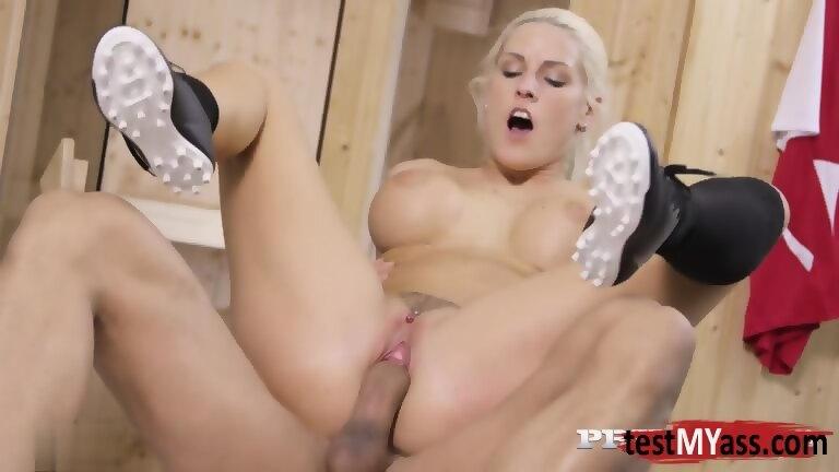 Sarah murdoch naked