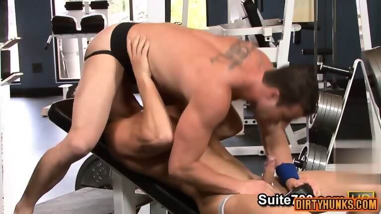 Muscle jock anal with cumshot