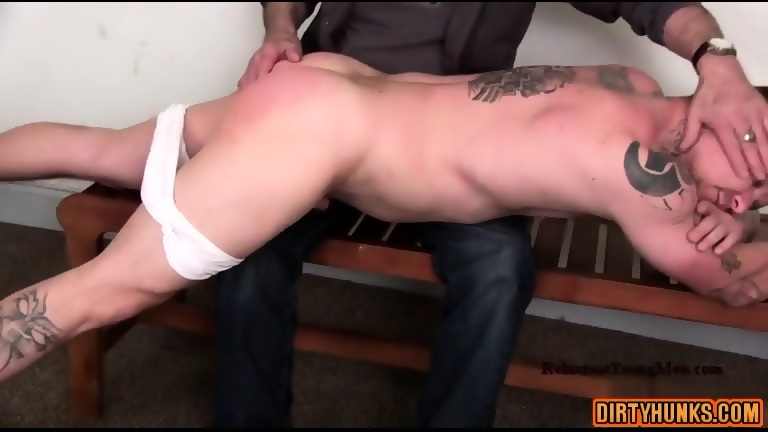 Muscle Amateur Spanking With Cumshot