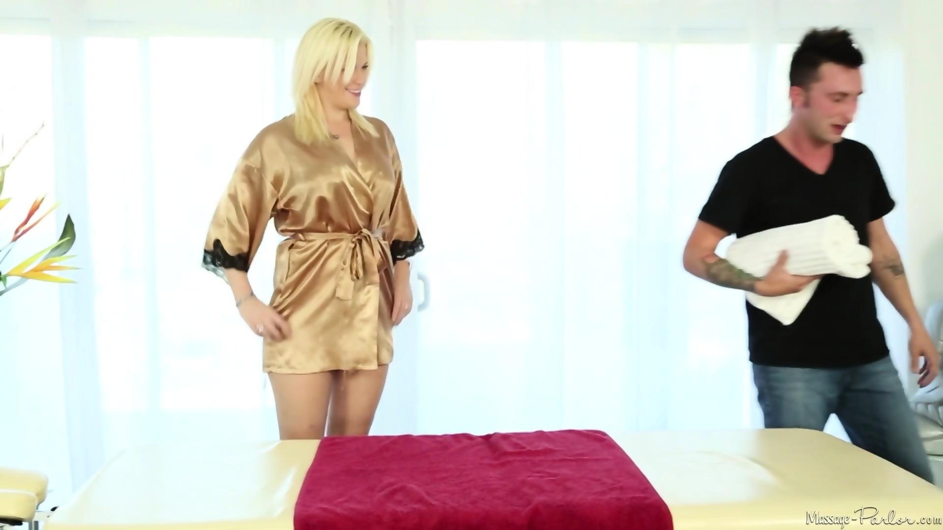 blowjob videos masseuse