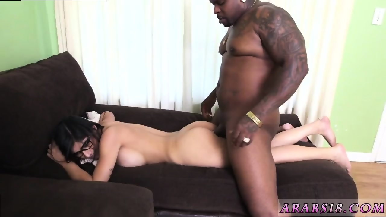 Sexy babes fucking huge cocks