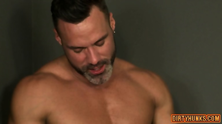 Muscle gays flip flop with facial