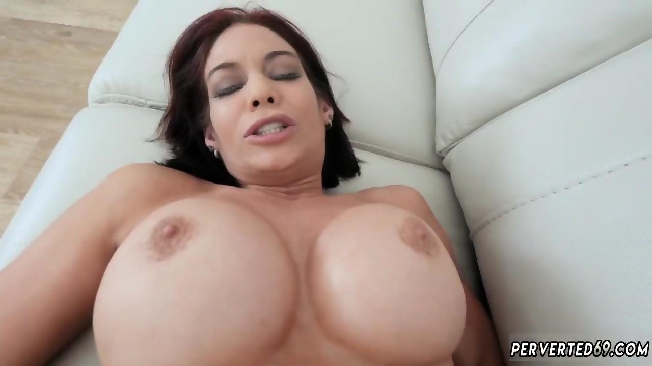 Sexy film mom