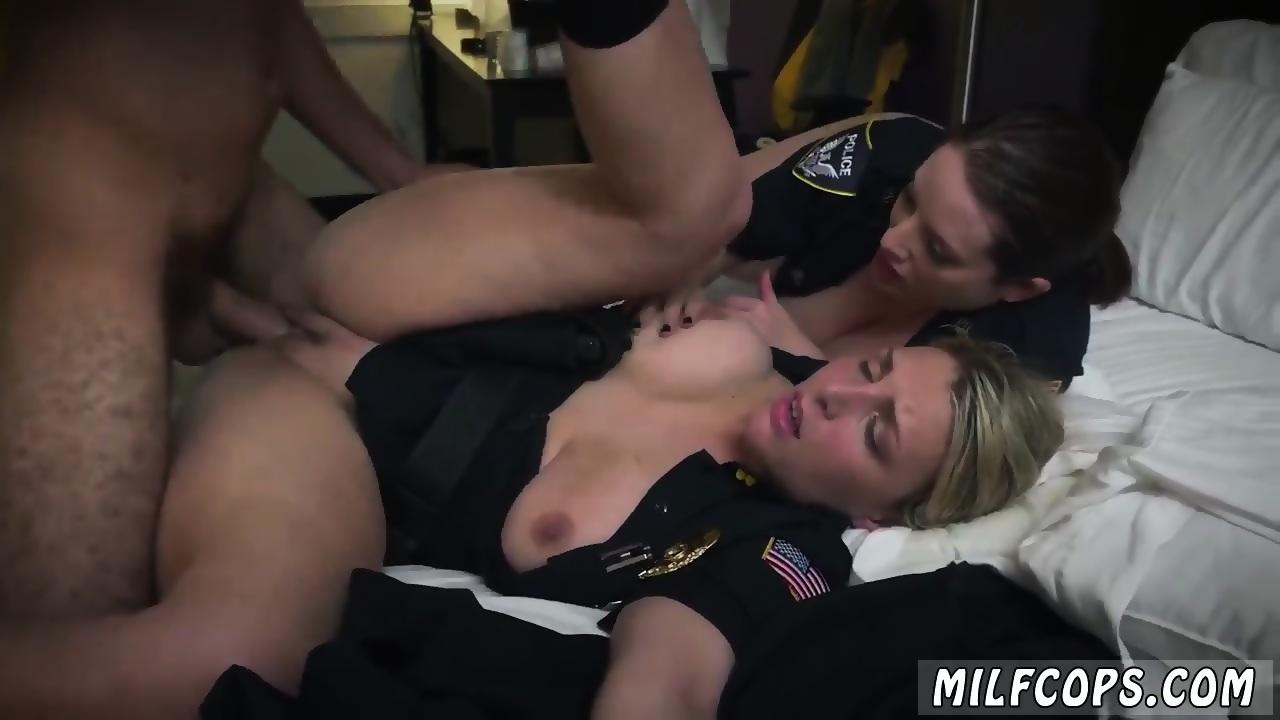 Slut sucking Tight loves cock