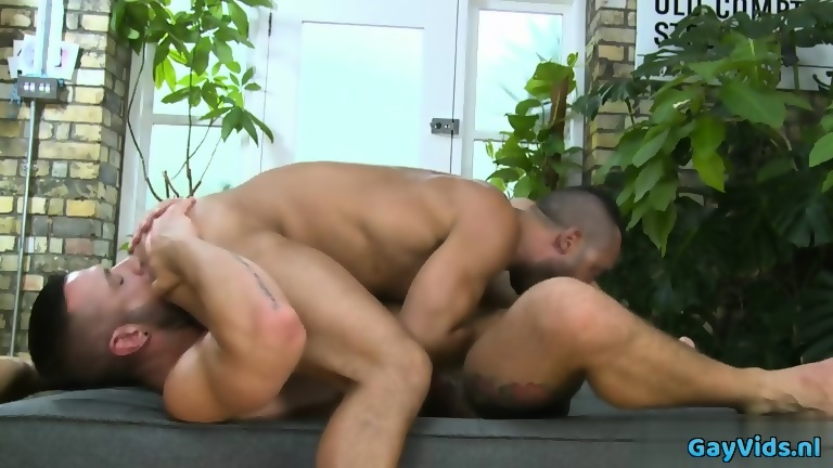 Muscle homosexual dildo with facial