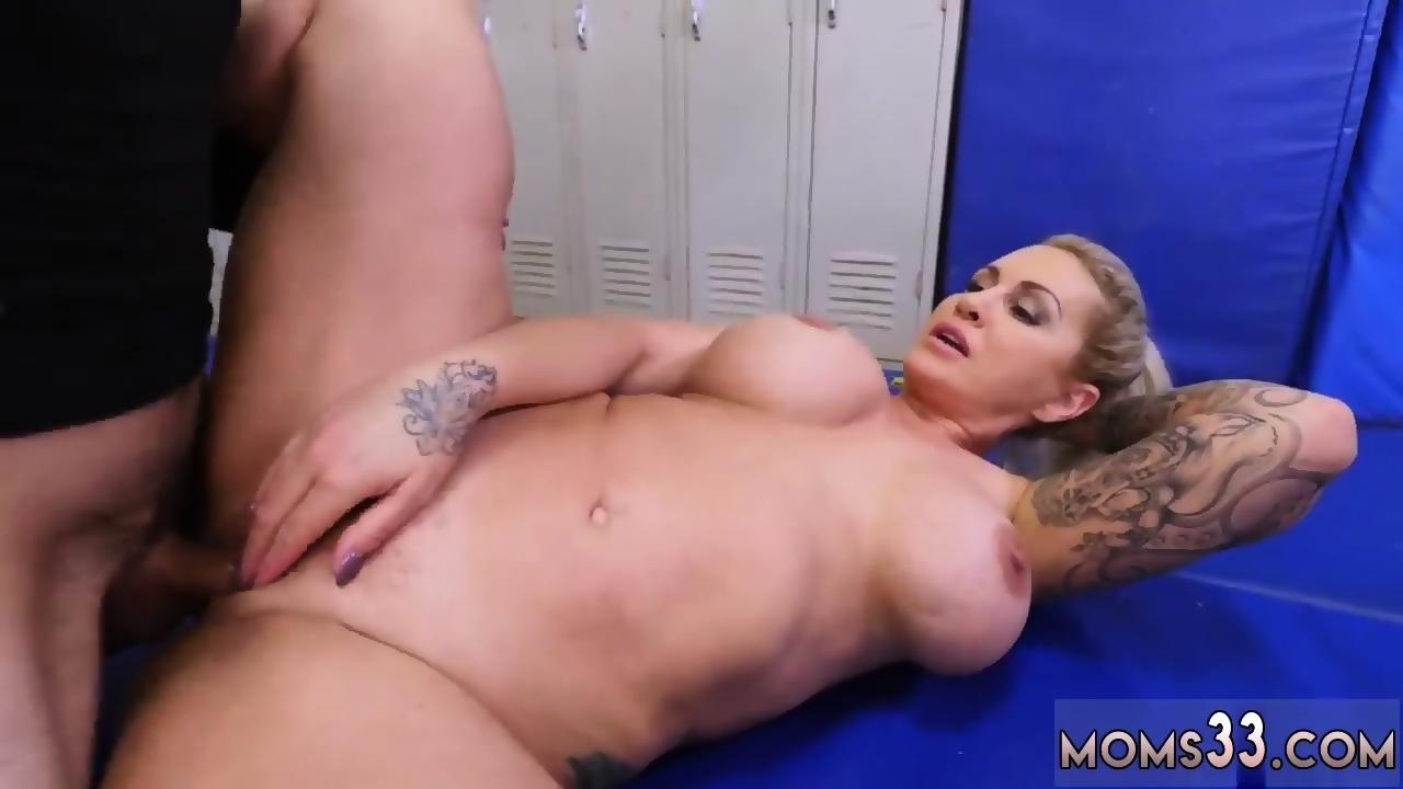 Blonde Mom Big Tits Creampie