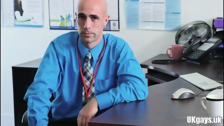 Muscle gay oral stimulation job and facial