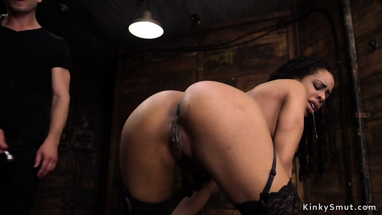Ebony anal queen