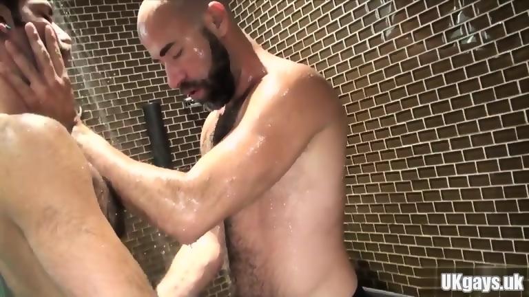 Bushy bear oral and cumshot