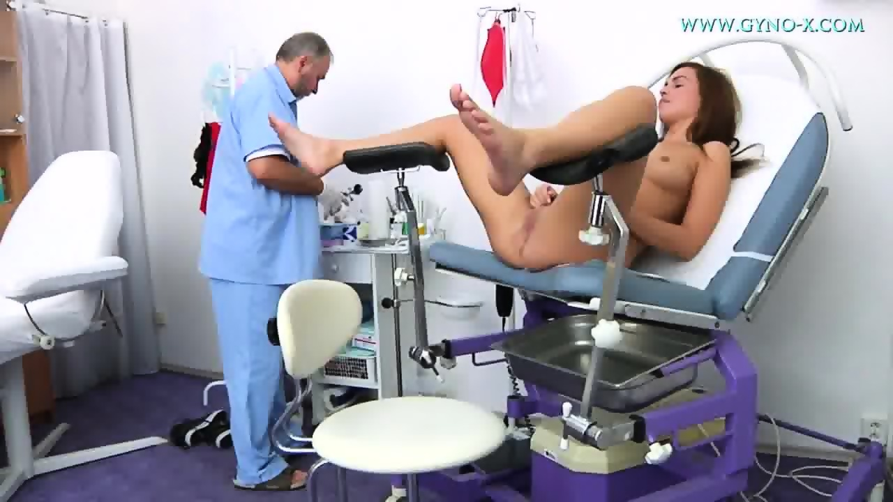 Jenny gyno pussy speculum exam on gynochair by old kinky doc 9