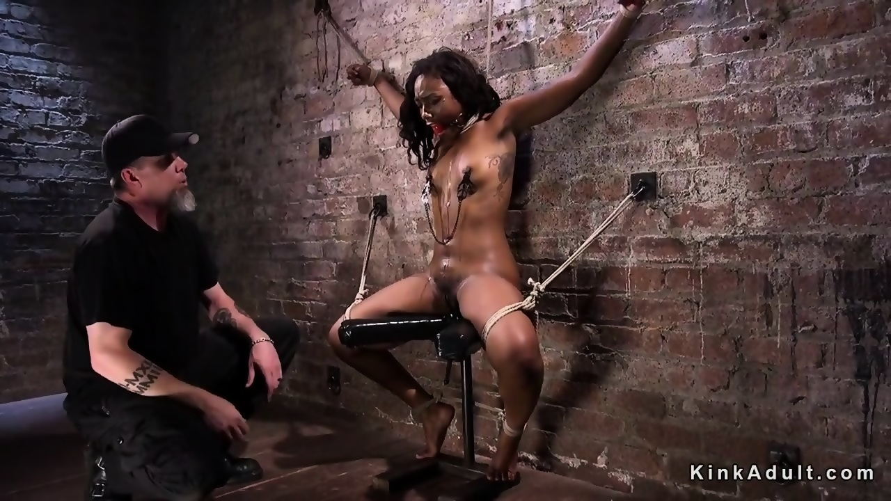 BDSM Slapping Pussy Real