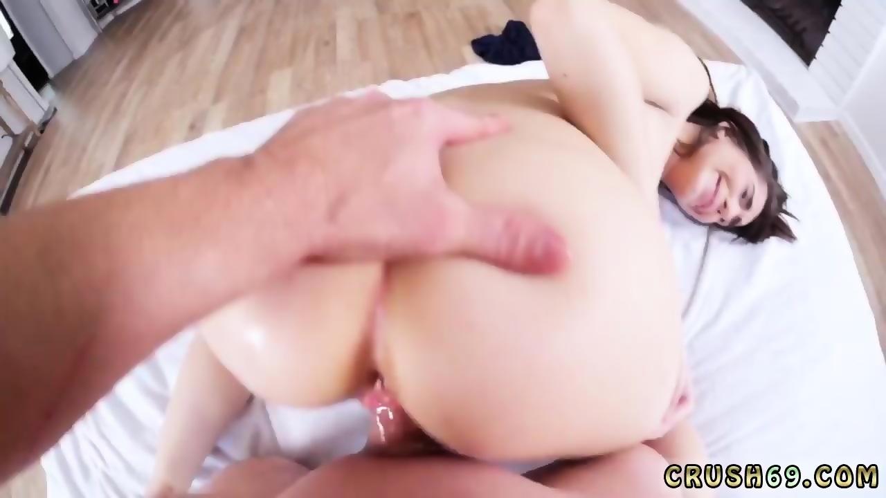 Hot young girl gives blowjob