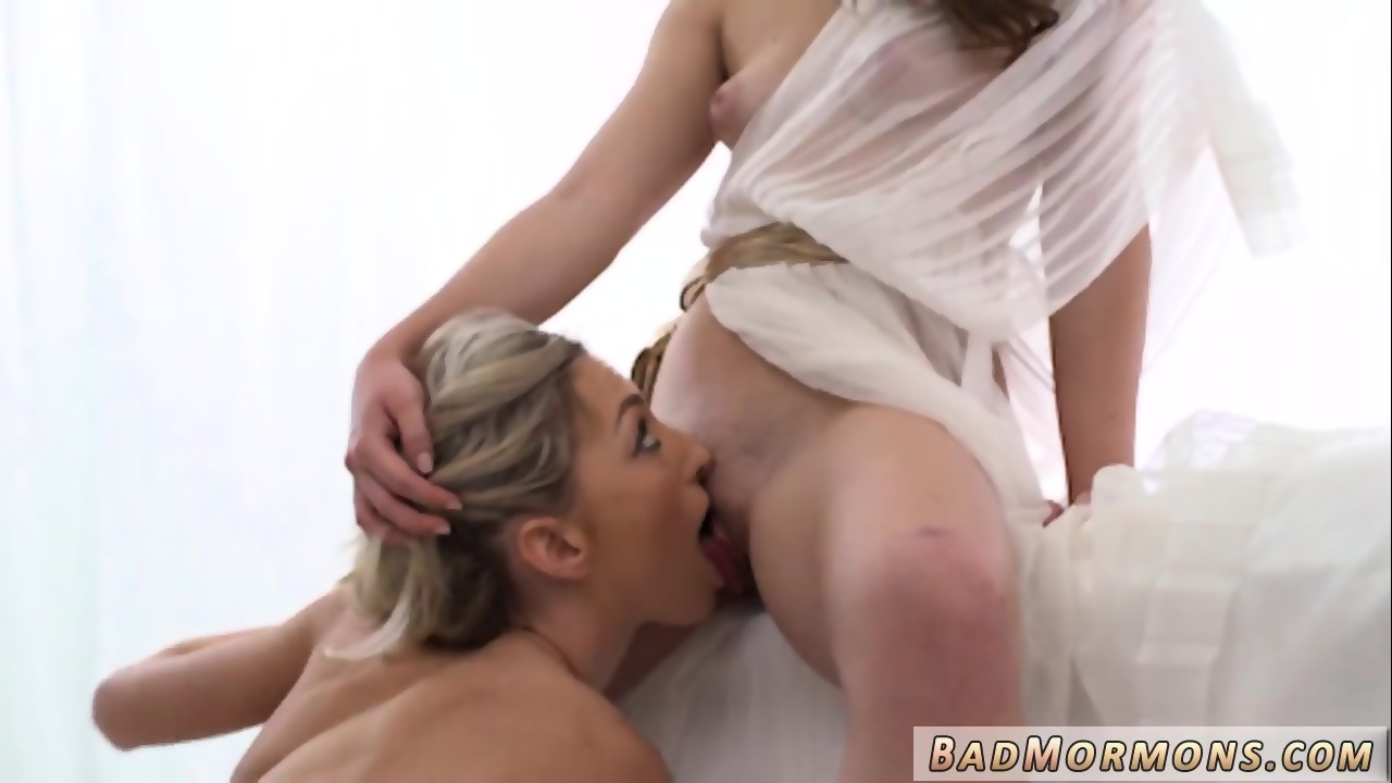 Lesbian pussy pound