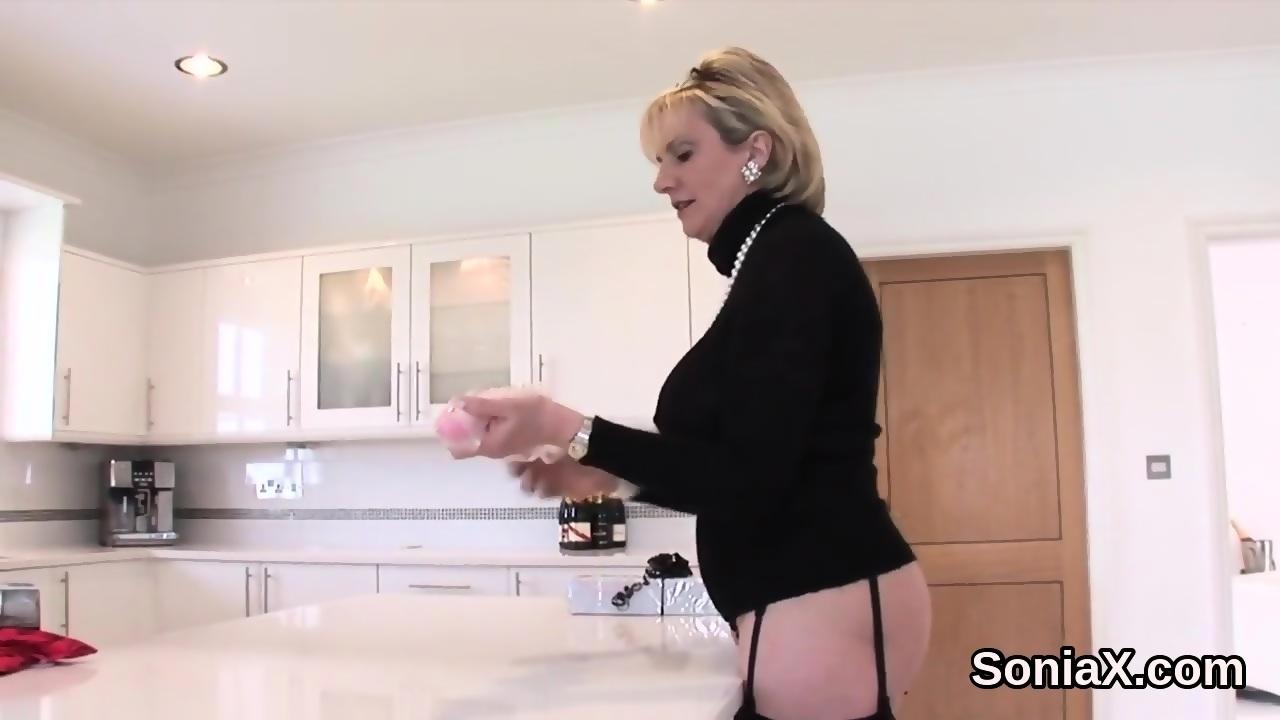 Sexy nude chinese secretary strip
