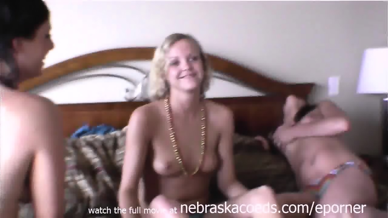 Girl Licks Pussy First Time