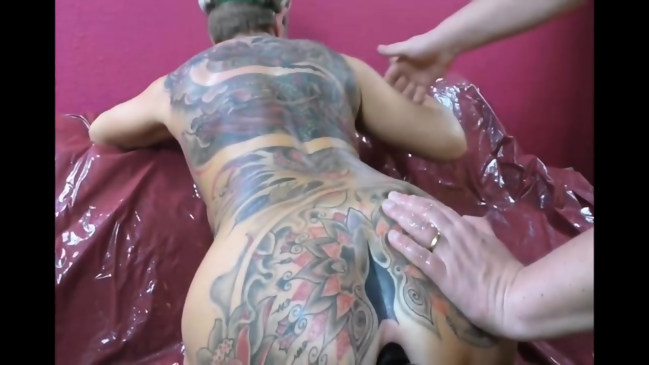Hard Anal Makes Her Squirt
