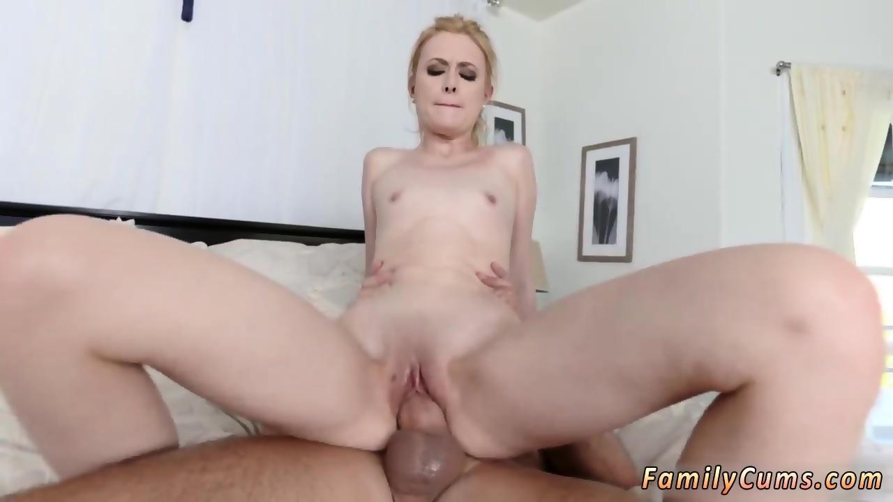 Watch my mom masturbate and squirting