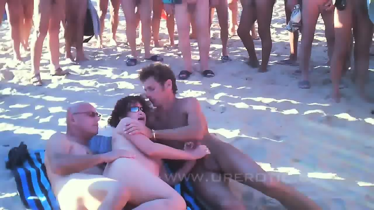 sex vidoes on beach