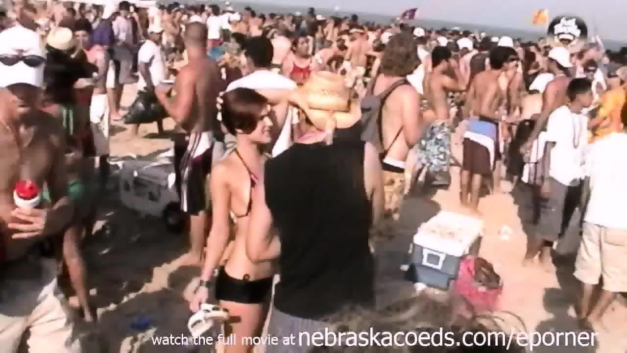 Amateur Asian Beach Sex