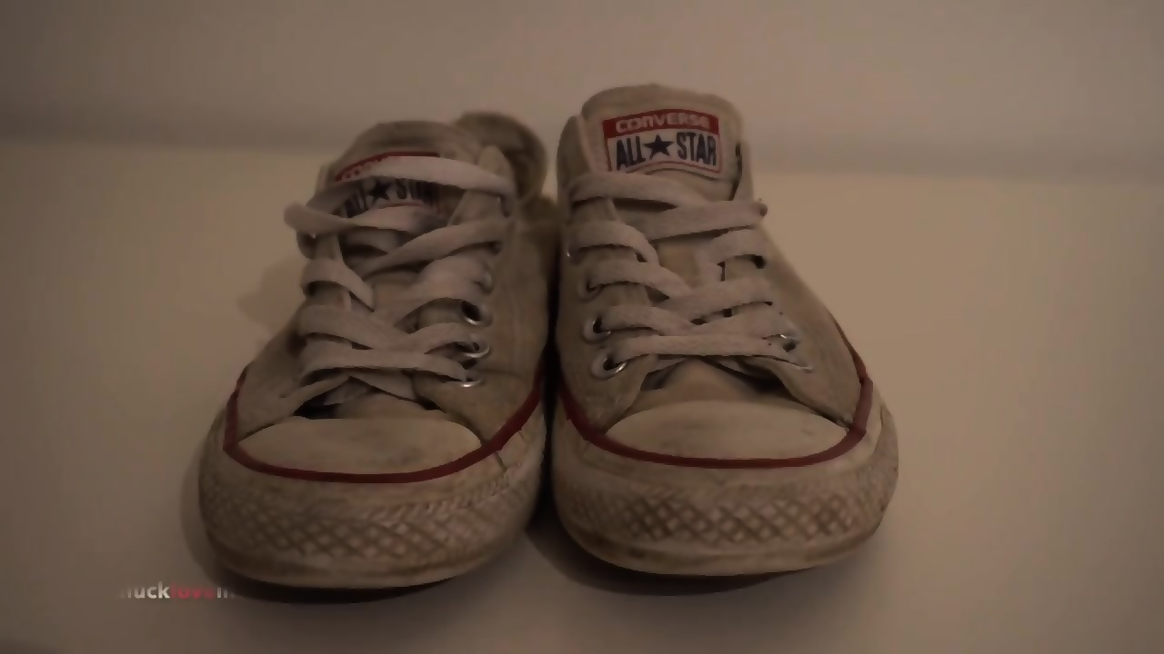 My Sisters Shoes: White Converse (dirty) EPORNER